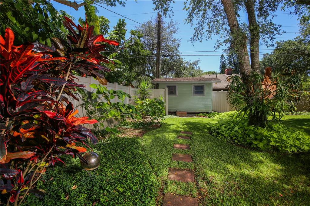 Single Family Home for sale at 7611 Alhambra Dr, Bradenton, FL 34209 - MLS Number is A4434753