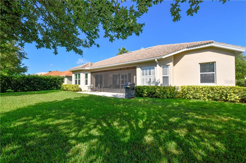 Park-like yard & privacy! - Single Family Home for sale at 2745 Harvest Dr, Sarasota, FL 34240 - MLS Number is A4436381