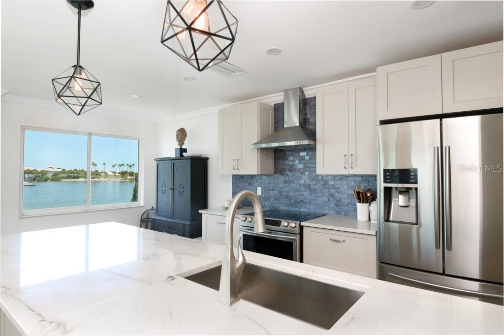Condo for sale at 226 Golden Gate Pt #21, Sarasota, FL 34236 - MLS Number is A4441566