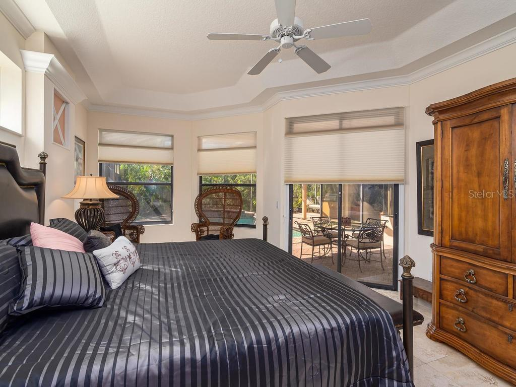 Master Bedroom - Single Family Home for sale at 6826 Turnberry Isle Ct, Lakewood Ranch, FL 34202 - MLS Number is A4450601
