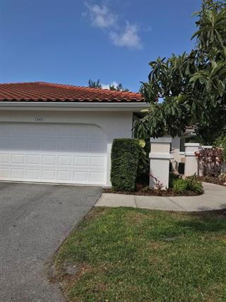 7343 Golf Pointe Cir, Sarasota, FL 34243