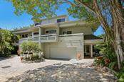 690 Lands End Dr, Longboat Key, FL 34228