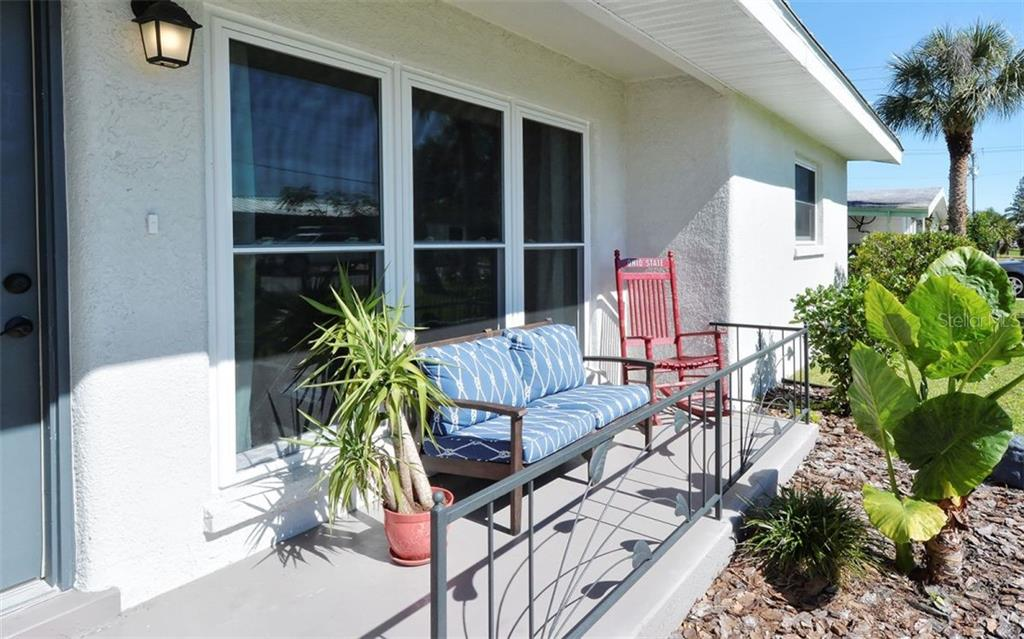 Front - Single Family Home for sale at 227 Redwood Rd, Venice, FL 34293 - MLS Number is N6103942